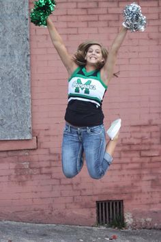 Senior girl, cheerleading pic!