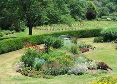 186 Best Island And Berm Gardens Images Garden Landscaping