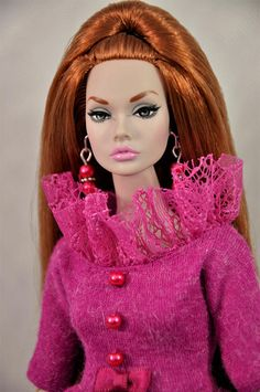 Hello from France I would like to offert you handmade clothes for Poppy Parker 12, Nu Face, Barbie and similar dolls. I create all outfits myself (pattern and sewing). I only use new and quality fabric. Free smoke home. Payments: I accept PayPal only for internationals buyers.
