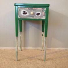 Minneapolis: Green side table  $20 - http://furnishlyst.com/listings/1116413