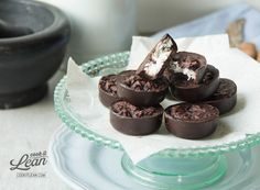 """Gorzkie czekoladki """"bounty"""" - Cook it Lean - sprawdzone paleo przepisy"""