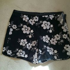 INC Shorts - black & Cream Cute  shorts INC International Concepts Shorts
