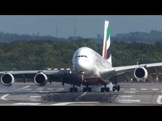 Steiles Crosswind Landing eines A380 gestern in Düsseldorf - http://youhavebeenupgraded.boardingarea.com/2017/10/steiles-crosswind-landing-eines-a380-gestern-dusseldorf/