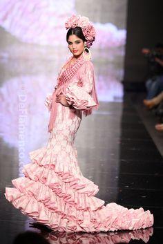 Fotografías Moda Flamenca - Simof 2014 - Mari Carmen Cruz 'Y... Sevilla' Simof 2014 - Foto 19