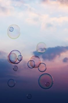 A fun image sharing community. Explore amazing art and photography and share your own visual inspiration! Inspiration Artistique, Bubble Balloons, Blowing Bubbles, Soap Bubbles, Jolie Photo, Stock Foto, Bokeh, Pretty Pictures, Art Photography
