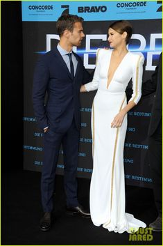Shailene Woodley & Theo James Take 'Divergent' to Berlin!   shailene woodley theo james bring divergent to germany 03 - Photo