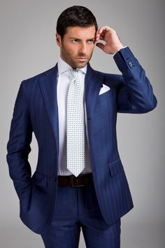 Tailored suits and jackets, the true Made in Italy by Sartoria Rossi – Tailor Made - Care for details Mens Fashion Suits, Mens Suits, Men's Fashion, Classic Fashion, Sharp Dressed Man, Well Dressed Men, Navy Blue Suit, Blue Suits, Suit Shoes