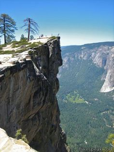 Taft Point - grand overlook of Yosemite Valley. Well worth the hike to it from Glacier Point Road