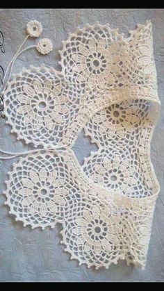 Crochet Collar Pattern, Col Crochet, Crochet Lace Collar, Crochet Triangle, Crochet Woman, Crochet Chart, Crochet Gifts, Crochet Motif, Crochet Designs