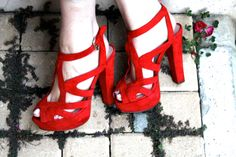 http://cheznechez.com/2013/11/10/red-touch/