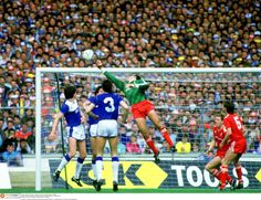 Liverpool 3 Everton 1 in May 1986 at Wembley. Bruce Grobbelaar tips the ball over the bar in the FA Cup Final. Liverpool Players, Liverpool Football Club, Liverpool Fc, Peter Beardsley, Nicolas Anelka, Liverpool Images, Merseyside Derby, Michael Owen, Soccer