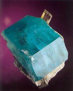 COLMAR : Mineral, fossil & Gem show - Mineral Gallery #2 - Aquamarine