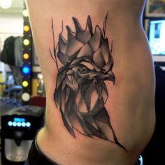 #rooster #roostertattoo #coq #cock #cocktattoo #coqtattoo #tattoo #geometrictattoo #dusty #brasseur #dustybrasseur #duza #dustyduza @tin_tin_tatouages