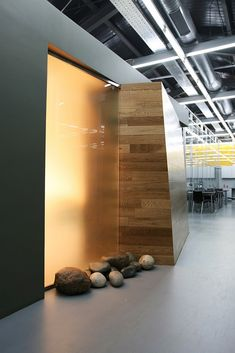 za bor architects | Office of the Forward Media Group Publishing House