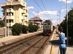 STAZIONE DI MIRAMARE 13 LUGLIO 2012 - Treno merci misto in transito a  Miramare [13/7/12]  non ci credo si vede casa nostra!!!!!