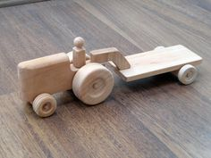 Hector the tractor kid's wooden toy tractor with a by TrickTruck Hector trator de brinquedo de madeira infantil do trator com um por TrickTruck Kids Woodworking Projects, Woodworking Shows, Woodworking Logo, Woodworking Joints, Woodworking Workbench, Woodworking Workshop, Wood Projects, Woodworking Machinery, Popular Woodworking
