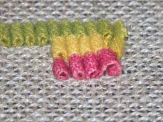 Gene's Rug Hooking Blog » Blog Archive » A Happy Tail
