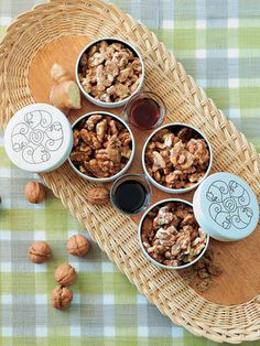 【ELLE gourmet】ポリポリおいしい、くるみのおやつ|エル・オンライン Cookie Gifts, Tin Gifts, Food Gifts, Cookie Tin, Japanese Cookies, Chocolate Packaging, Mixed Nuts, Food Packaging, Confectionery