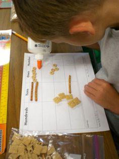 Munchie Math Place Value cheerios, pretzel sticks and chex Teaching Place Values, Teaching Math, Teaching Ideas, Kindergarten Math, Learning Place, Teaching Tools, Math School, School Fun, School Stuff