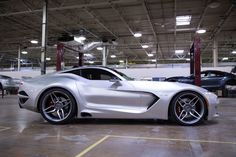 Former GM boss Bob Lutz and car designer Henrik Fisker joined forces and stormed the Detroit Motor Show with their newest creation, the Viper-based VLF Force 1 V10 sports car.