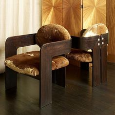 Tobia Scarpa pair of elegant armchairs, palissander, wrap around arms fastened with chrome bolts to the back, made for an embassy in Geneva. Upholstered in rust and white cowhide by Tobia Scarpa Interior Design Elements, Chair Design, Cool Furniture, Vintage Designs, Chrome, Living Room, Elegant, Modern, Rust