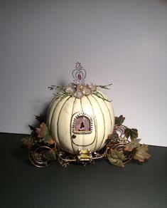 Cinderella Pumpkin Carriage Pumpkin Decorating Contest, Pumpkin Contest, Autumn Decorating, Halloween Pumpkins, Halloween Crafts, Halloween Decorations, Halloween Stuff, Disney Halloween, Holidays Halloween