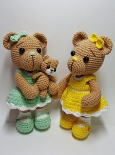 This is a crochet pattern PDF and not the finished doll Following this pattern drssed bear will be approximately 20 cm baby bear 7 cm The pattern is available in English Materials Yarn : Hera cotton/6ply (cotton 55%,Acrylic 45%) Colors: beige, white, yellow or green Hook: 2.0mm (or accordance