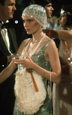 """sparklejamesysparkle: """" Mia Farrow as Daisy Buchanan in The Great Gatsby, This was the third of four major motion pictures adapted from the classic 1925 F. Scott Fitzgerald novel, the others. Great Gatsby Fashion, 20s Fashion, Fashion Mode, Vintage Fashion, Great Gatsby Style, Daisy Great Gatsby, Great Gatsby Outfits, Great Gatsby Party Dress, The Great Gatsby Movie"""