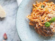Těstoviny s krémovou paprikovou omáčkou - My Cooking Diary Fusilli, Linguine, Penne, Ricotta, Cooking, Outfit, Ethnic Recipes, Food, Red Peppers