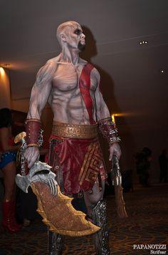 Kratos - God of War Epic Cosplay, Male Cosplay, Awesome Cosplay, Movie Costumes, Cool Costumes, Cosplay Costumes, Halloween Cosplay, Halloween Costumes, Kratos God Of War