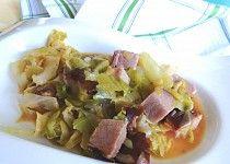 Uzené maso v hlávkovém zelí Potato Salad, Potatoes, Ethnic Recipes, Food, Potato, Essen, Meals, Yemek, Eten