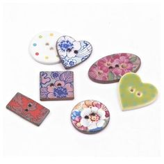V&A Arts & Crafts Button - Assorted