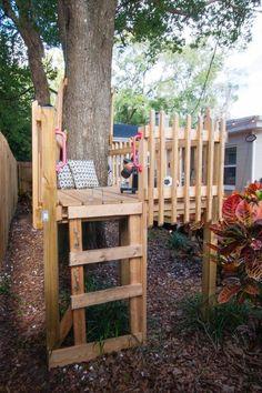 of a treehouse, build a DIY tree fort. Kids love multiple entrances and exits!Instead of a treehouse, build a DIY tree fort. Kids love multiple entrances and exits! Backyard For Kids, Diy For Kids, Cozy Backyard, Modern Backyard, Small Yard Kids, Simple Backyard Ideas, Tiny Garden Ideas, Kids Yard, Desert Backyard