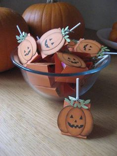 Pumpkin Treat Holder by - Cards and Paper Crafts at Splitcoaststampers-do snowmen? Moldes Halloween, Halloween Paper Crafts, Manualidades Halloween, Candy Crafts, Halloween Cards, Theme Halloween, Holidays Halloween, Halloween Treats, Halloween Treat Holders