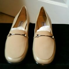 Tan loafers Tan leather loafers size 8M. Etienne Aigner Shoes Flats & Loafers