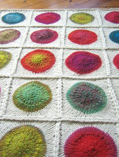 Ravelry: POP blanket pattern by tincanknits - circles in squares Arm Knitting, Knitting Patterns, Crochet Patterns, Knitting Ideas, Blanket Patterns, Crochet Yarn, Crochet Hooks, Baby Blanket Size, Knitted Baby Blankets