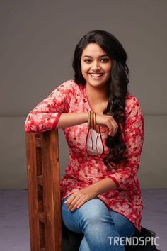 Keerthy Suresh Hot Images, Stills, Photosg Dr h FFS zfb Stylish Girl Images, Stylish Girl Pic, Stylish Dp, Beautiful Girl Indian, Most Beautiful Indian Actress, Beautiful Women, Beautiful Saree, Beautiful People, Prettiest Actresses