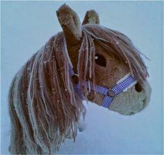 Hobbyhorse called Morning Star. Keppihevonen nimeltään Aamutähti.
