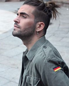 Coiffure homme cheveux long tuto