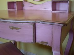 painting furniture, one of my favorite things to do.