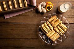 Κουλουράκια Πασχαλινά με άρωμα πορτοκάλι και τζίντζερ / Orange flavored Easter cookies! Easy and quick recipes for amazing greek cookies! #greekfood #greekrecipes #greekcuisine #greekfoodrecipes #foodtravel #cookiesrecipes #cookies #cookiesart #biscuitrecipes #biscuit #πάσχα #μπισκότα Easter Recipes, Carrots, Cookies, Vegetables, Tableware, Food, Crack Crackers, Carrot, Dinnerware