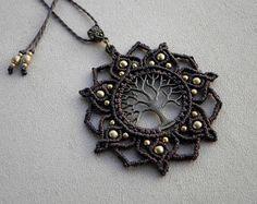 Macrame ''Tree Of Life MANDALA'' Necklace. Gypsy por QuetzArt