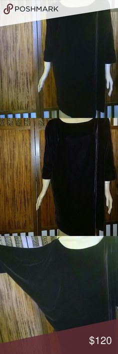 Vince Oversize Top Size Lrg New $275.00 Length 34in.  78% Rayon 22% Silk Vince Tops