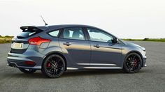2016 Ford Focus ST side