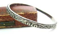 Joyas de Marruecos. Brazalete hecho a mano tribal. Pulsera de plata 800. Diseño étnico profundamente tallado. 1 estrecho, pesado + oz Vintage joyas africanas