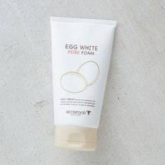 A gentle foaming cleanser suitable for sensitive skin. This new product from Skinfood contains pore-purifying, amino acid-rich egg whites with deep cleansing properties. The Egg White Foam Cleanse is