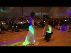 """HILARIOUS!  Surprise Wedding First Dance to Flo Rida's """"Low""""."""