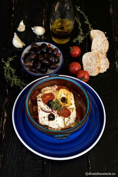 RETETE DIN BUCATARIA GRECEASCA | Diva in bucatarie Feta, Food And Drink, Breakfast, Lunches, Places, Fine Dining, Salads, Morning Coffee, Eat Lunch