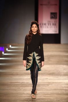This is so hot!!! Monisha Jaisingh for PCJ Delhi Couture Week 2013