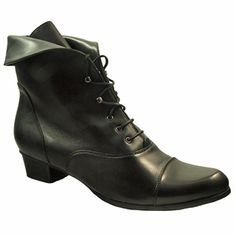 Stefany Boot in Blac